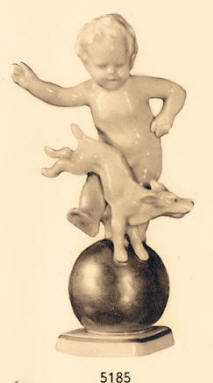 5185 Cherub with Dogon Gold Ball