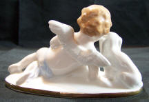 5820-cherubs-putti-dachshund-treasure-box back view